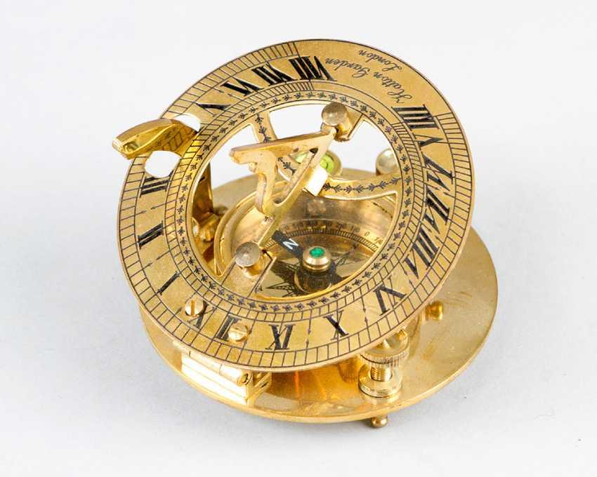 солнечные часы с компасом, бронзы, 20.века - фото 1