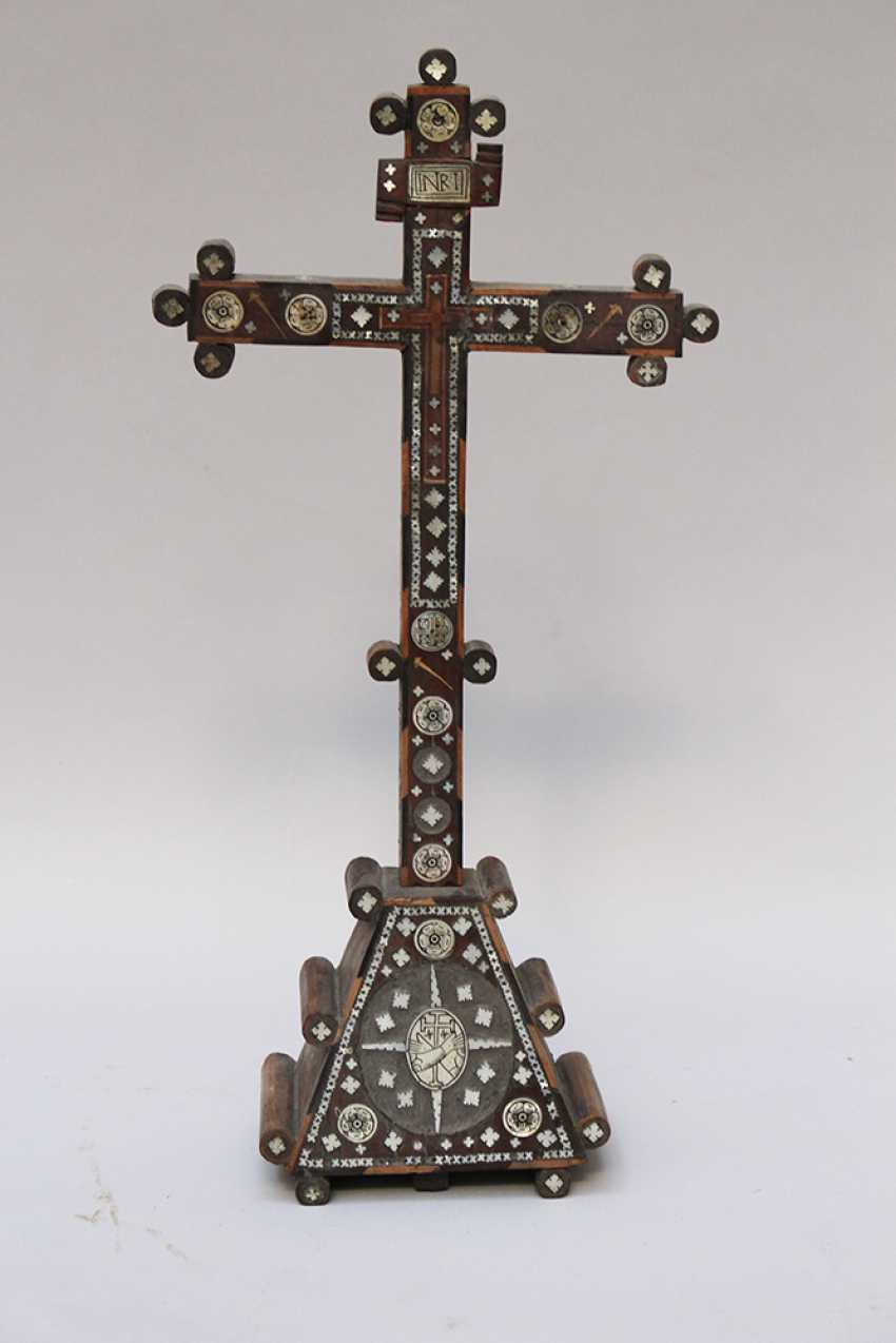 Jerusalem pilgrim cross, olive-wood with mother of pearl - photo 1