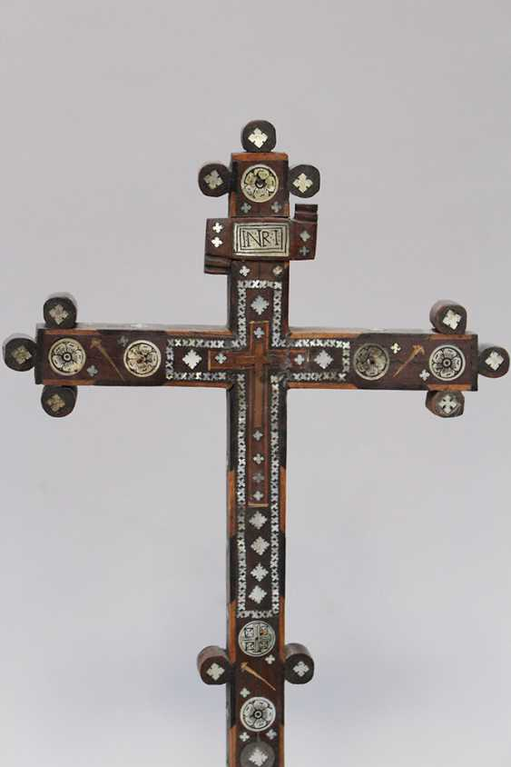 Jerusalem pilgrim cross, olive-wood with mother of pearl - photo 2