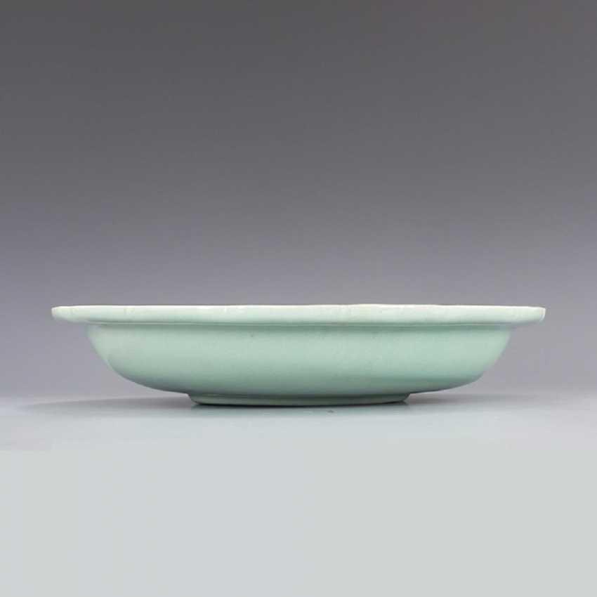 Song Dynasty Longquan Kiln Green glaze Dragon pattern Big plate - photo 1