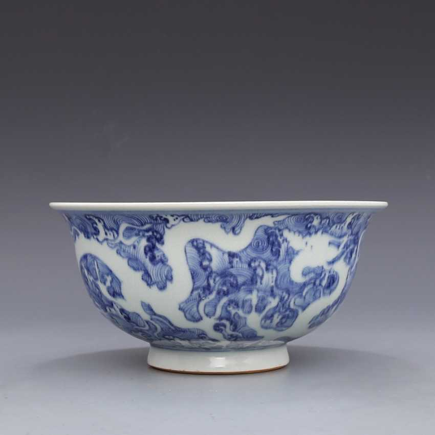 Ming Dynasty blue and white porcelain sea water double dragon bowl - photo 2