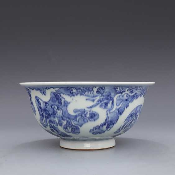 Ming Dynasty blue and white porcelain sea water double dragon bowl - photo 3
