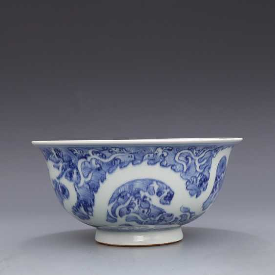 Ming Dynasty blue and white porcelain sea water double dragon bowl - photo 4