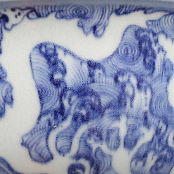 Ming Dynasty blue and white porcelain sea water double dragon bowl - photo 7