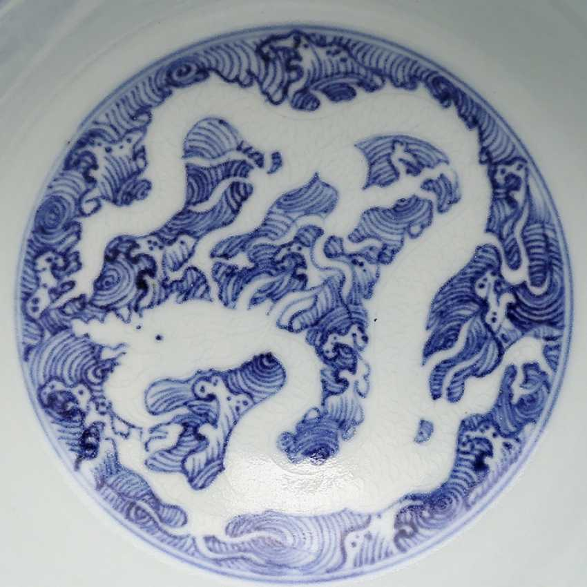 Ming Dynasty blue and white porcelain sea water double dragon bowl - photo 10