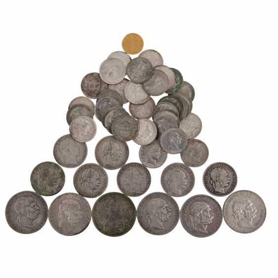 Konvolut aus Silbermünzen, dazu etwas Gold – - Foto 1
