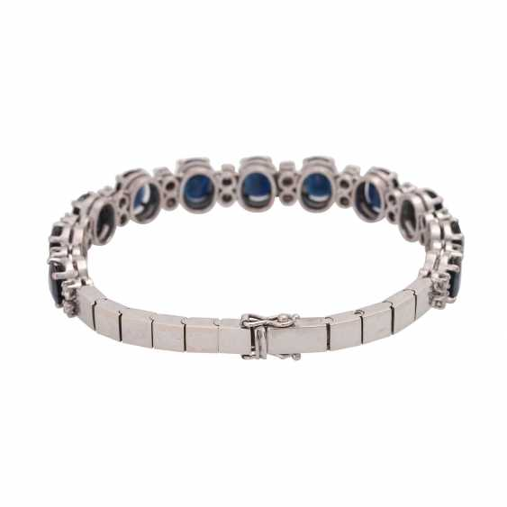 Fine bracelet, bes. with 11 sapphires, together CA. 13,0 cts. & 24 brilliant-cut diamonds, together approx. 1,20 ct. WHITE/VSI-SI. - photo 2