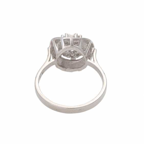 Ladies ring with 7 diamonds 1 stone approximately 0.13 ct damaged occupied together. W/i-Pi3 - photo 4