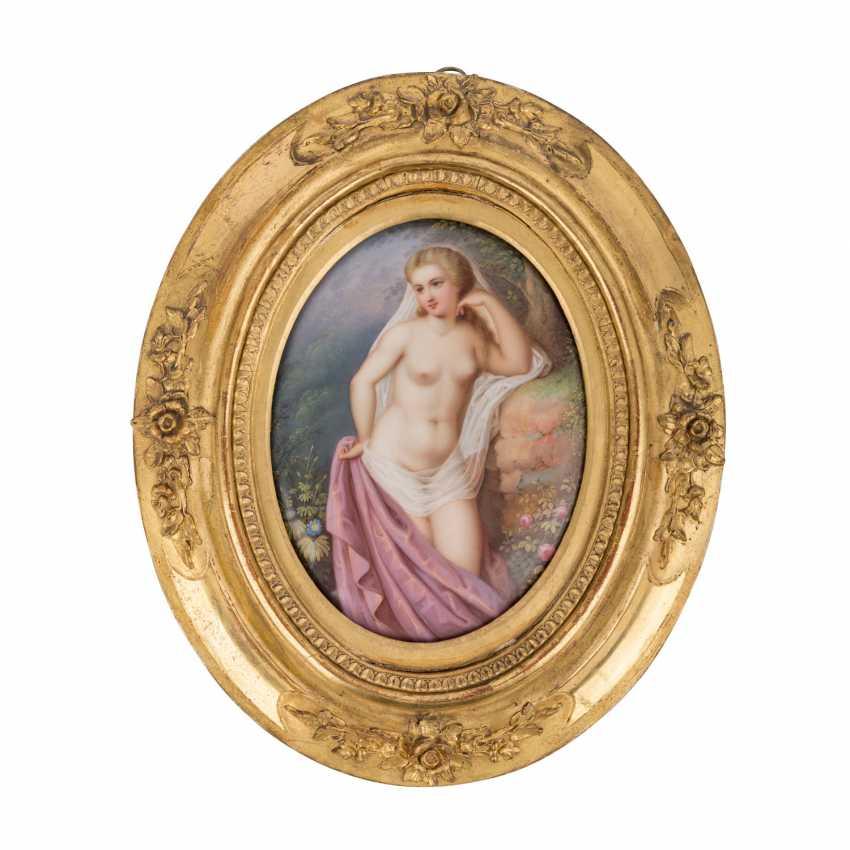"""Peintre sur porcelaine """"Féminin Acte"""", sans doute à la Fin du 19. Siècle - photo 1"""