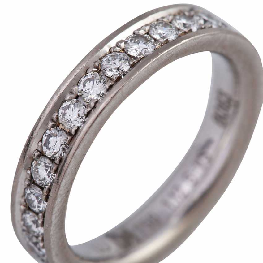 Memory ring with diamonds together approx 1,12 ct, - photo 5