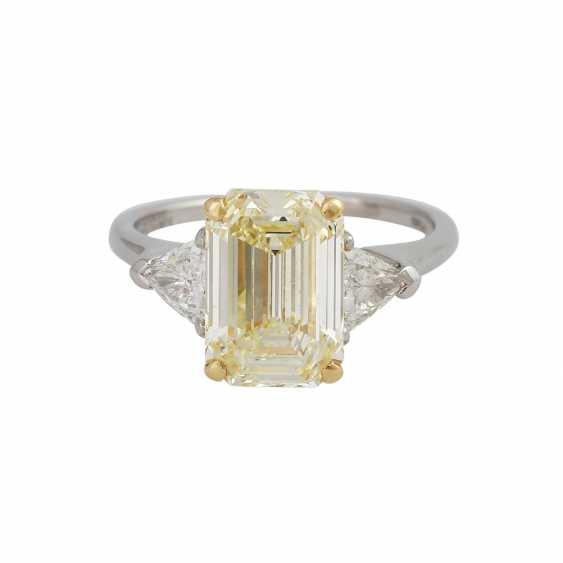 GRAFF Ring with yellow diamond 3,09 ct, - photo 1