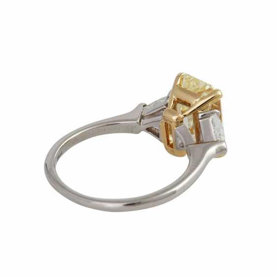 GRAFF Ring with yellow diamond 3,09 ct, - photo 3