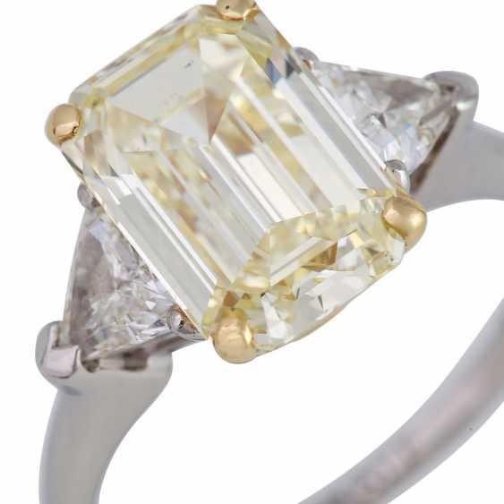 GRAFF Ring with yellow diamond 3,09 ct, - photo 5