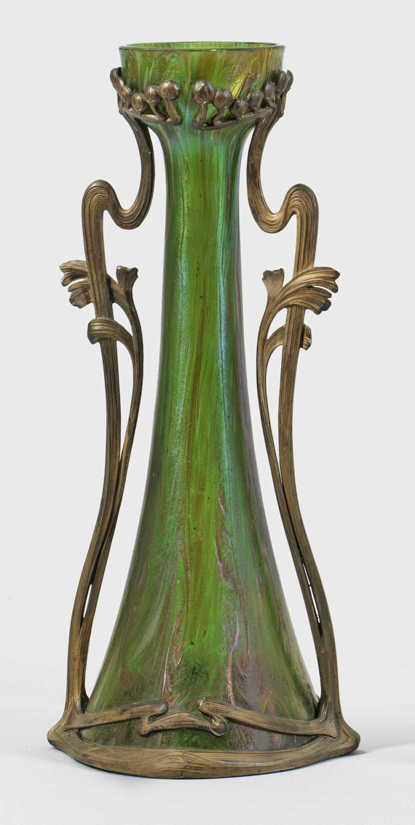 Большой модерн ваза с металлической монтировкой - фото 1
