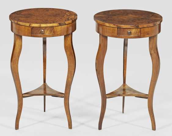 Пара небольших арт-деко прикроватные столики - фото 1