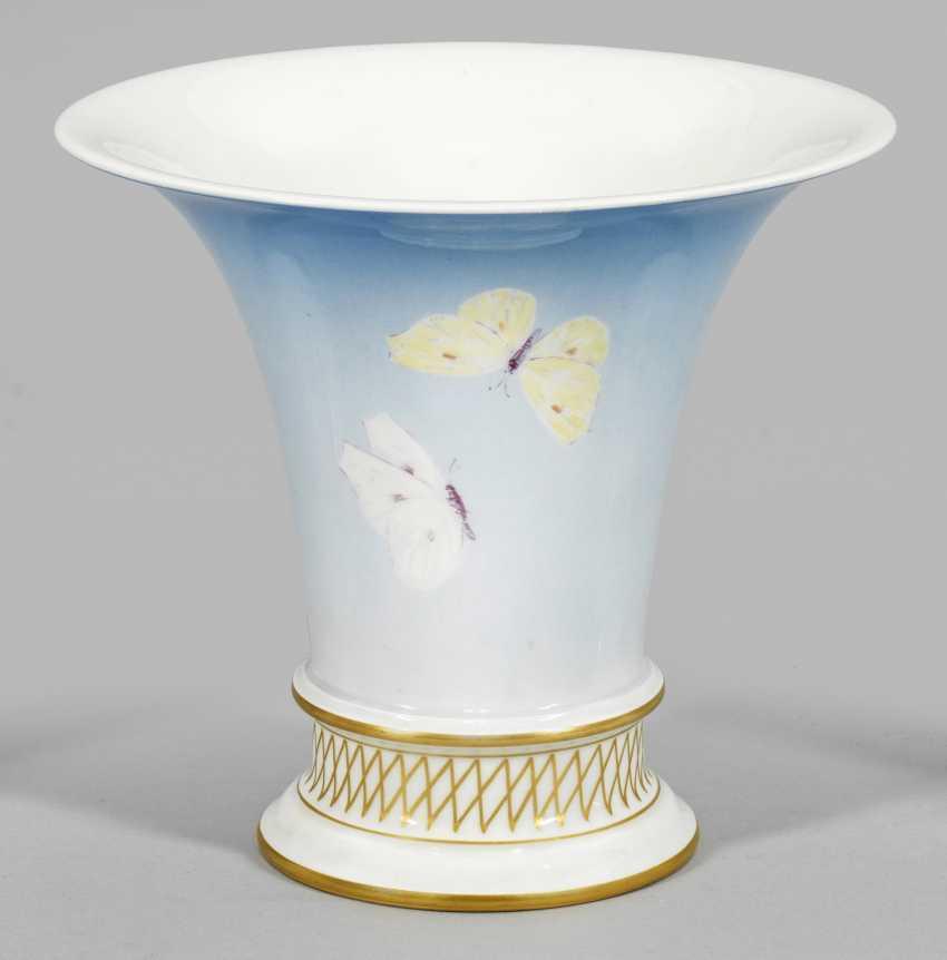 Труба ваза с бабочка Декор - фото 1