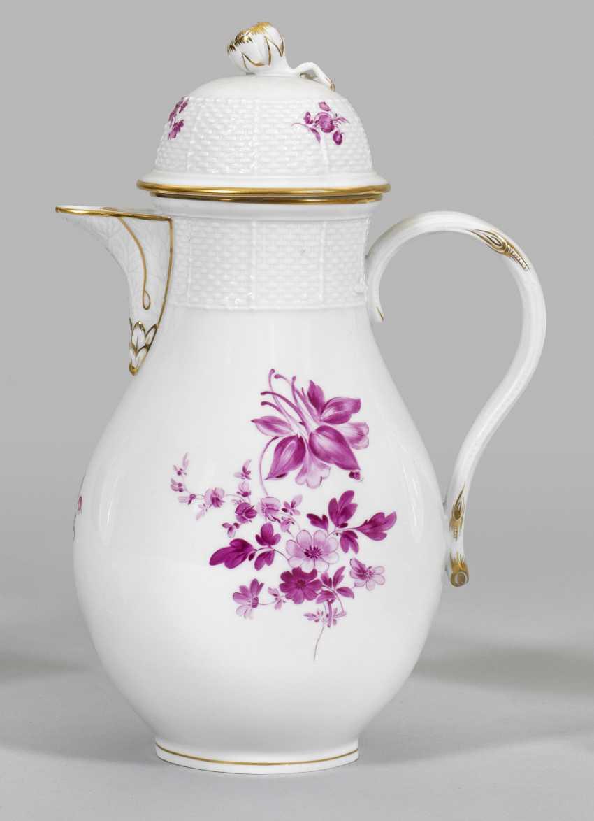 Большой кофейник с цветочным декором - фото 1