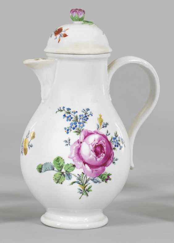 Кофейник с цветочным декором - фото 1