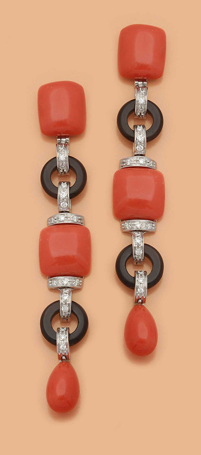 Pair of extravagant drop earrings with Sardegna-coral - photo 1