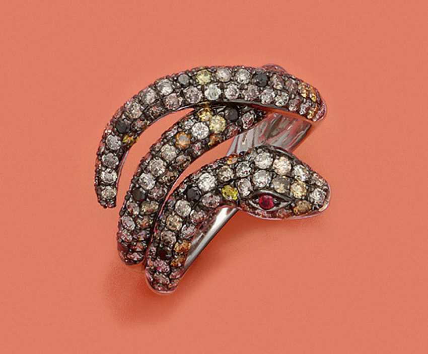 Декоративная змея кольцо с алмазной отделкой - фото 1
