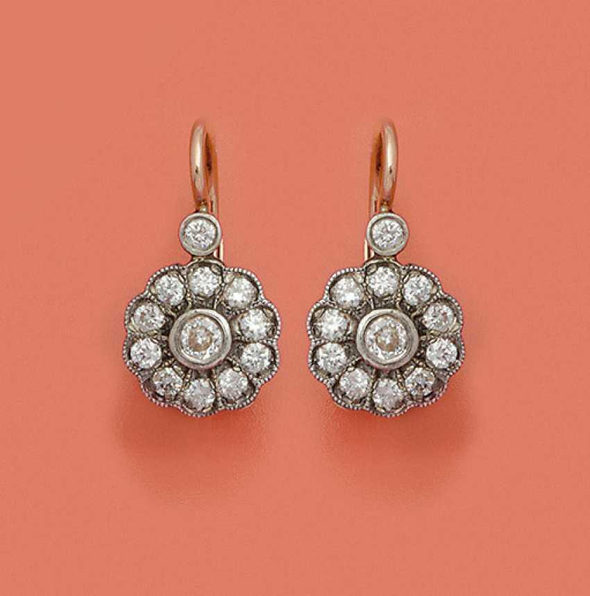 Пара российских алмазов серьги - фото 1
