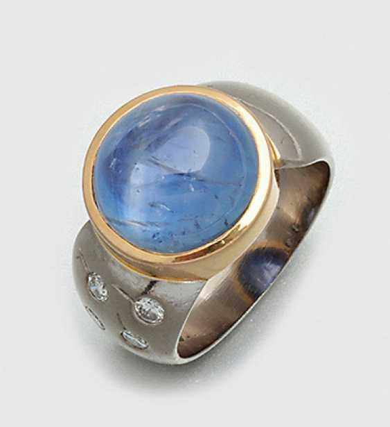 Группа васильки кольцо с синим сапфиром кабошоном - фото 1