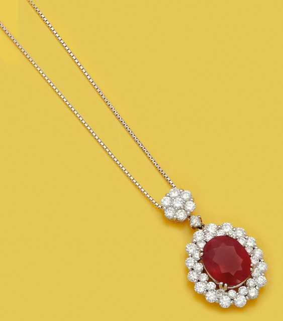 Шикарный рубиновый кулон с бриллиантами - фото 1