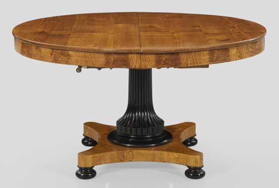 Исключительно большой бидермейер-раздвижным столом - фото 1