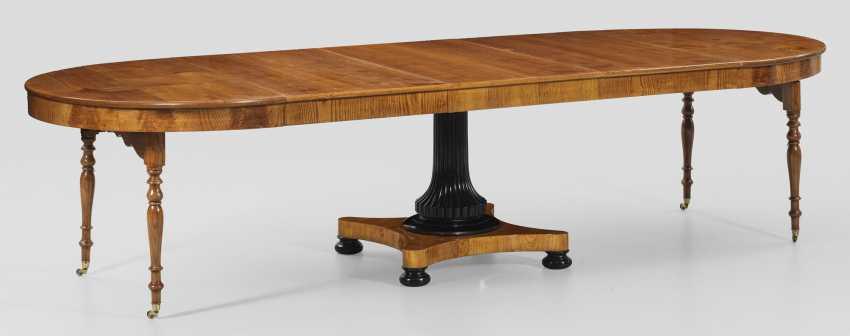Исключительно большой бидермейер-раздвижным столом - фото 2