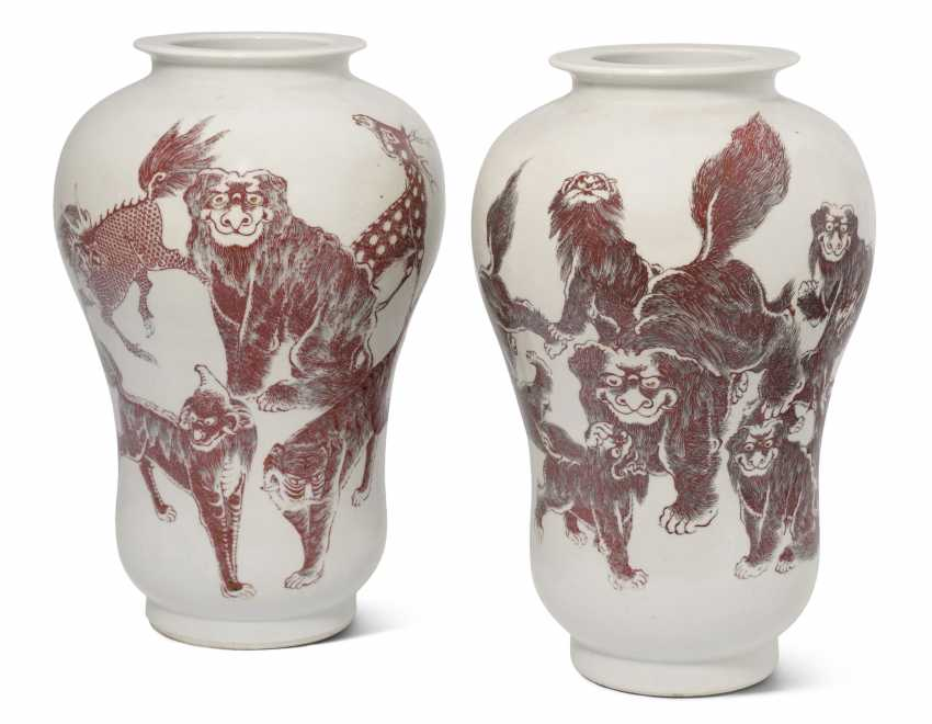 1 Pair Of Vases
