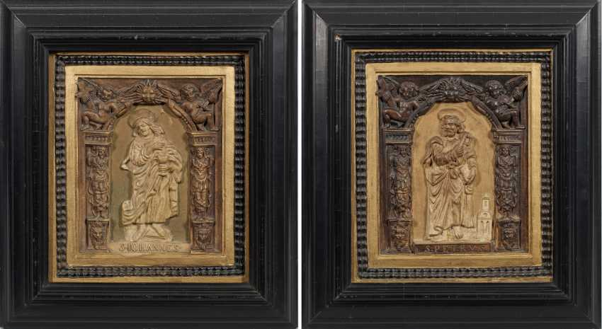Несколько рельефных плиток в стиле Ренессанс - фото 1