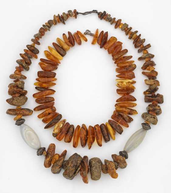Два больших янтарных ожерелья - фото 1