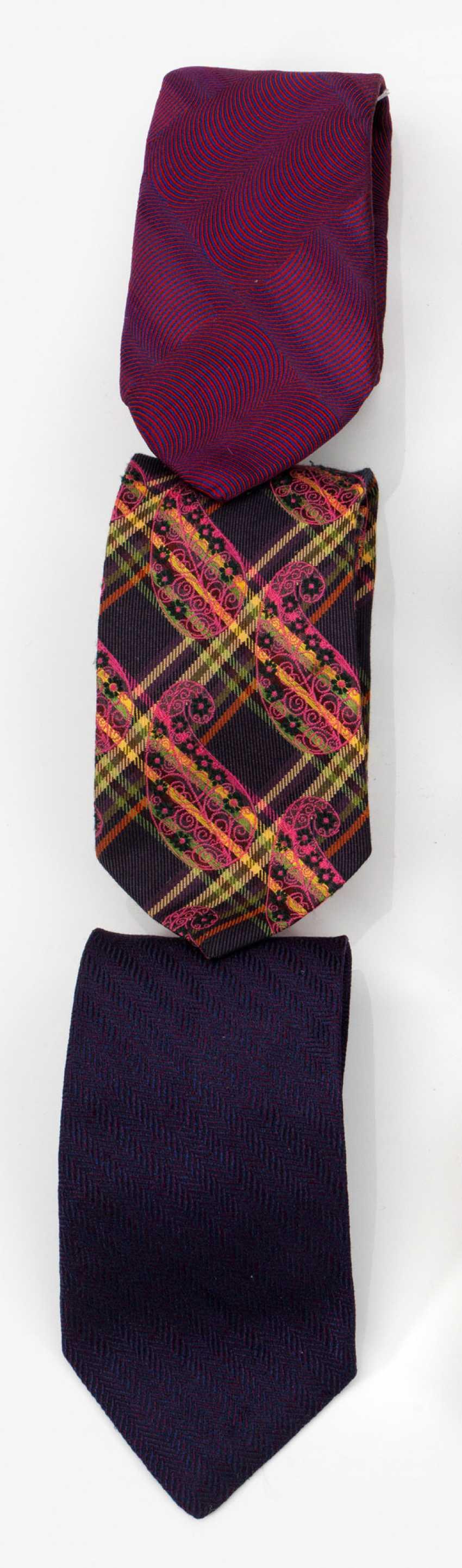 Три галстуки ETRO и Valentino - фото 1