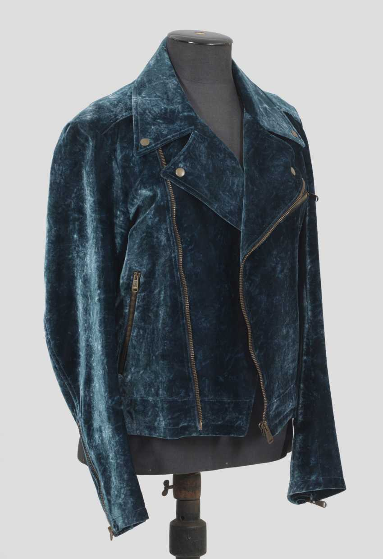 Бархат-байкерская куртка от Yves Saint Laurent - фото 1