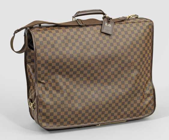 Одежда, сумки от Louis Vuitton - фото 1