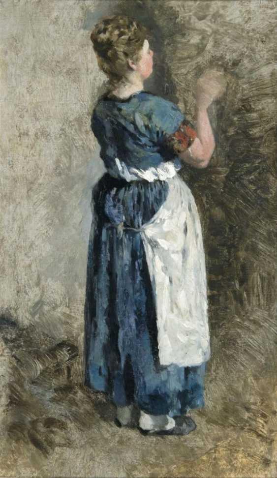 Женщина в синем платье - фото 1