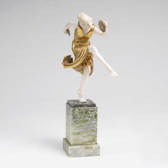 Chryselephantin-фигур 'танцовщица ОКС cymbales' - фото 1