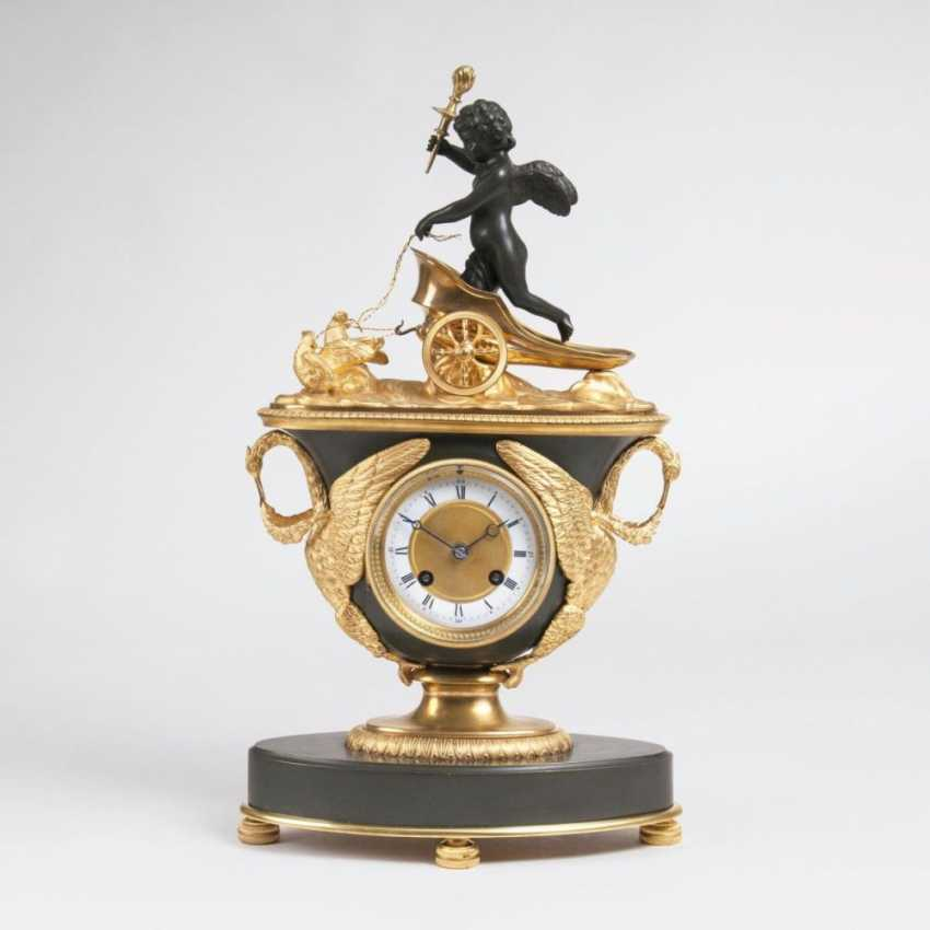 Fine Empire clock with Cupid as the 'allegory of love' - photo 1