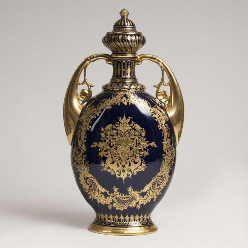 Большой двойной ручкой ваза в Венской манере - фото 2
