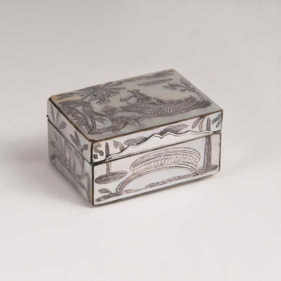 Перламутр-Tabatière с серебр пусковые площадки - фото 1