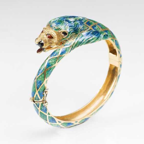Золотой браслет с головой льва - фото 1