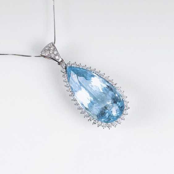 Цветной мелкий Аквамарин бриллиант кулон на цепочке - фото 1