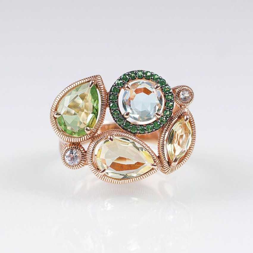 Золотое кольцо с цветным камнем-отделочные - фото 1