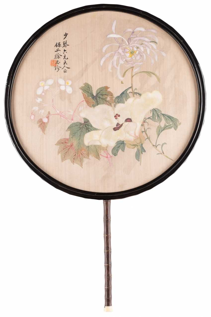 ROUND FAN WITH SILK PAINTING - photo 1