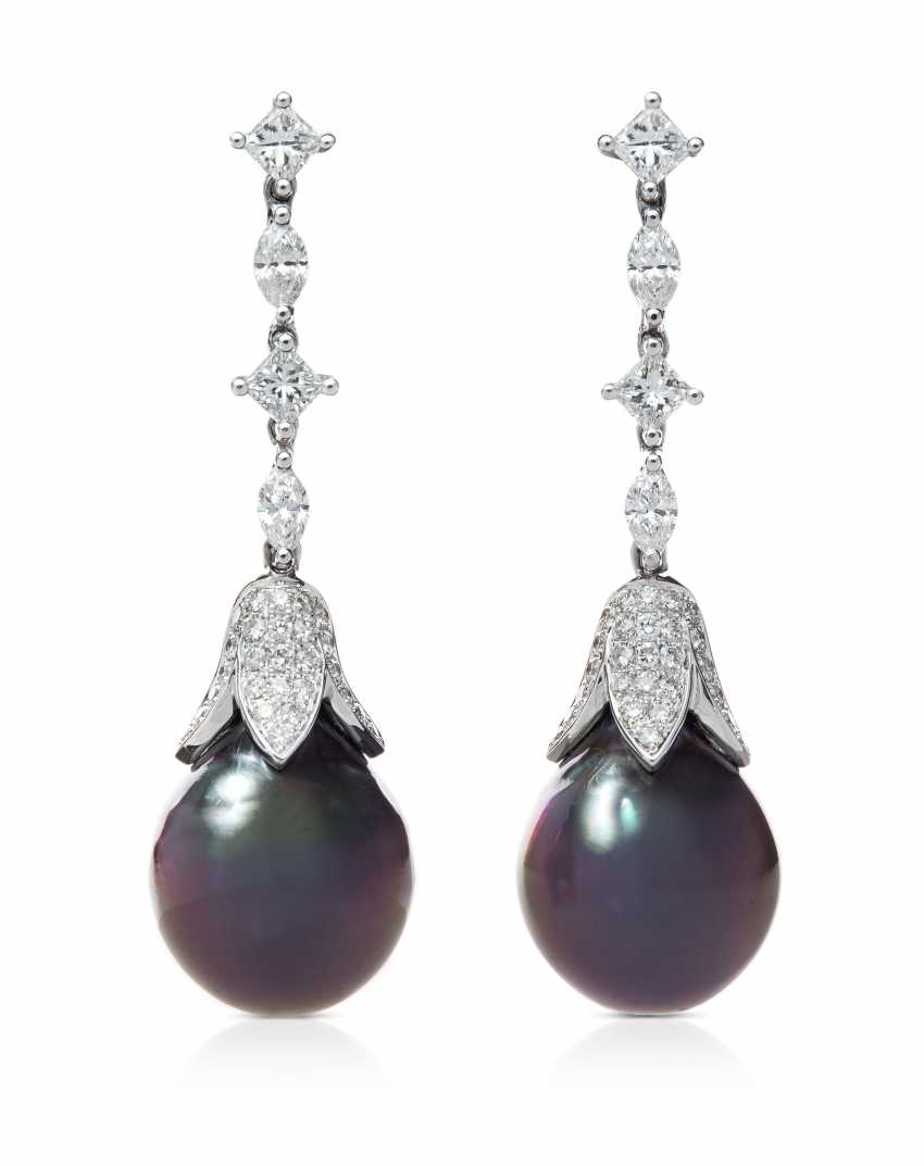 Tahiti Culture Pearl-Diamond-Earrings