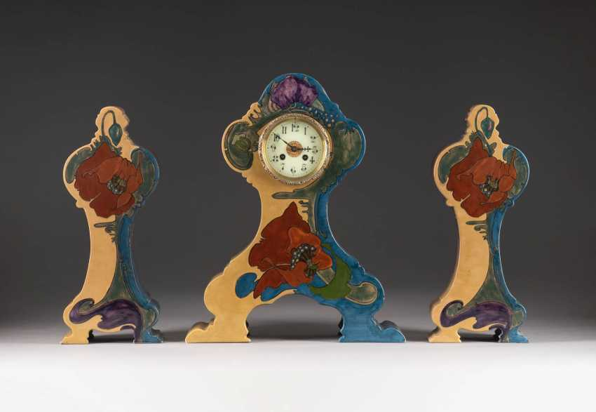 MANTEL CLOCK WITH TWO BEISTELLERN - photo 1