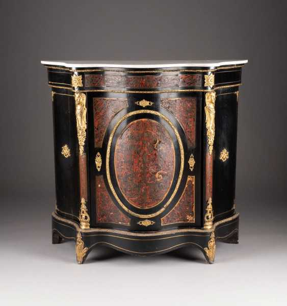 SIDEBOARD IN THE BOULLE STYLE - photo 1