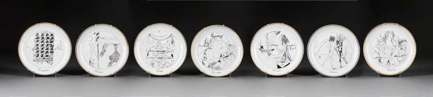 SALVADOR DALÍ, 1904, Figueres, Girona - 1989 ibid 'THE SEVEN ARTS', the SEVEN collection plate - photo 1