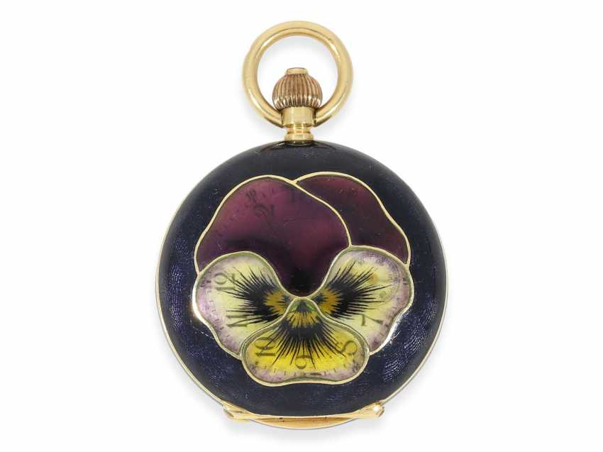 """Pocket watch: rarity, extremely rare women's watch in Gold/enamel-Savonnette-housing """"horn violets"""", exceptional quality, signed Omega, Switzerland, about 1900 - photo 1"""