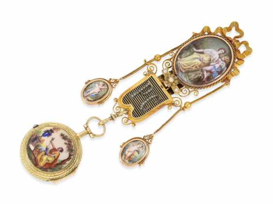Pocket watch: unique and very fine Gold enamel Spindeluhr with corresponding Gold/enamel Chatelaine with diamonds, Gudin a Paris, CA. 1760 - photo 1
